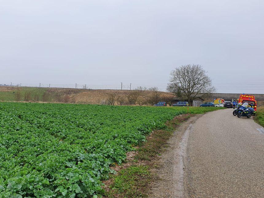La gendarmerie a bouclé les lieux de l'accident de TGV près de Saverne. - Radio France