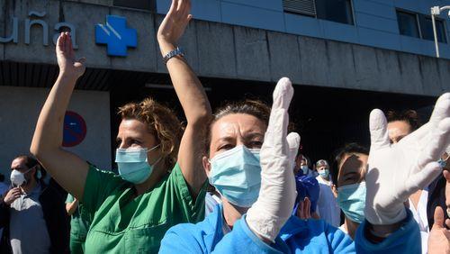 """Laura Freixas : """"Nous ne vivons pas une guerre mais une crise du soin"""""""