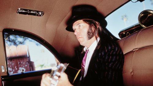 Ecoutez Neil Young au coin du feu et vivez enfin le numérique sur le mode analogique