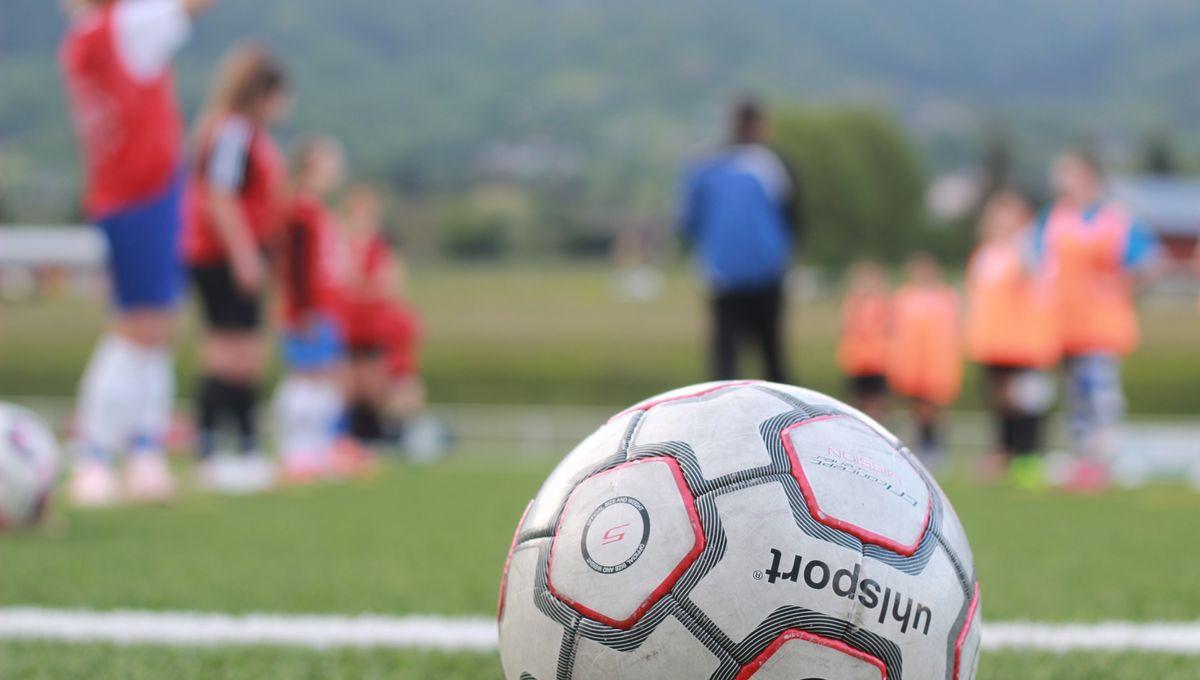 Coronavirus Football Fin De Saison Pour Sedan Mais Pas Pour Les Filles Du Stade De Reims