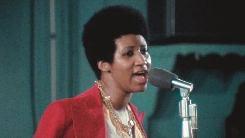 Pleurer et danser en même temps par la magie de l'Amazing Grace d'Aretha Franklin