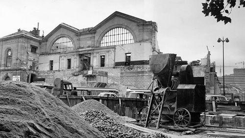 """Épisode 5 : Une Parisienne à la gare Montparnasse : """"Je regrette l'autre gare. Cette gare-là me déplaît et du reste, les employés disent que c'est l'hôtel des courants d'air"""""""