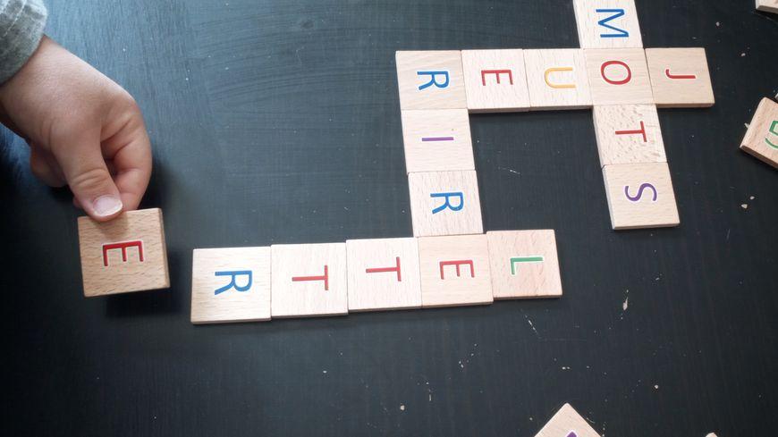 On S Occupe Pendant Le Confinement Des Jeux Avec Les Mots Et Les Lettres