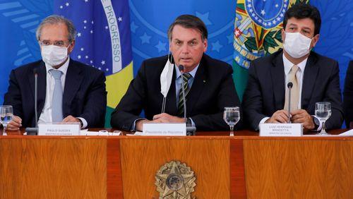 Contre le Covid-19, le Brésilien Jair Bolsonaro prône le jeûne et la levée du confinement