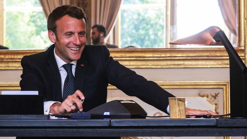 Pourquoi Emmanuel Macron vient-il en Bretagne ?