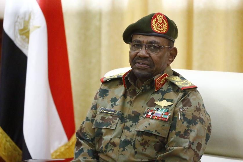 Le dirigeant Omar el Béchir a, pendant 30 ans de règne autocrate, plusieurs fois écarté tout progrès en matière de mutilation sexuelles féminines.