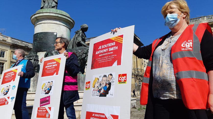 Reims : une manifestation de soutien pour l'inspecteur du travail ...