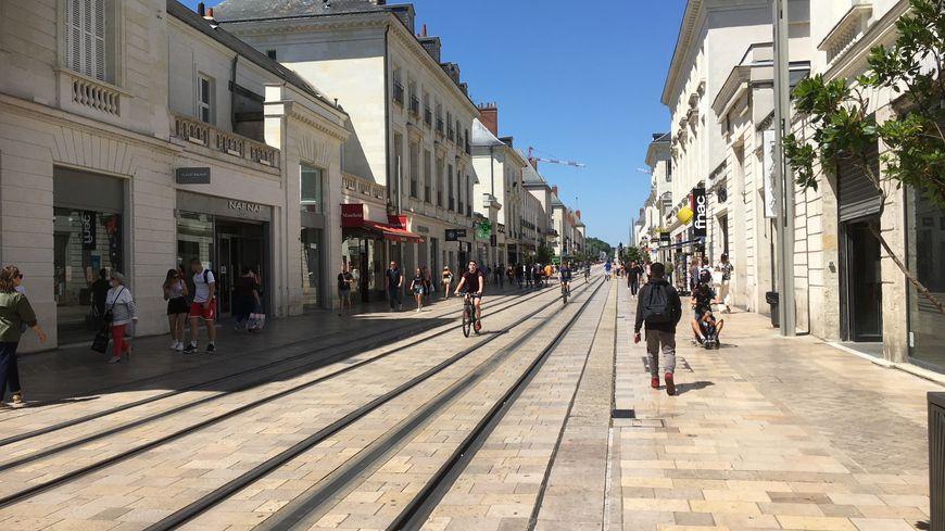 Tours Les Commerces De La Rue Nationale Entre Contraintes Sanitaires Et Premiers Shoppings