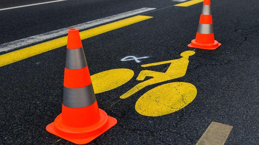 Deconfinement Une Piste Cyclable Temporaire Pour Relier La Porte Maillot A La Defense