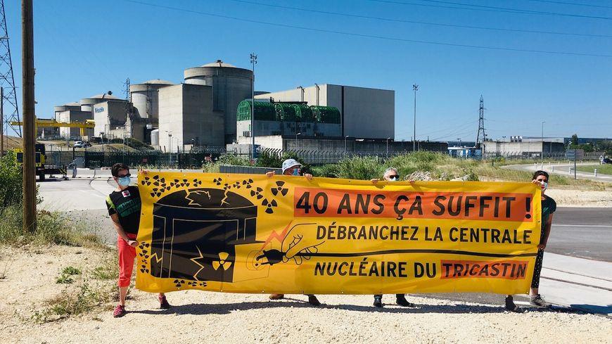 Trois manifestations pour demander la fermeture du premier réacteur du Tricastin, qui fête ses 40 ans