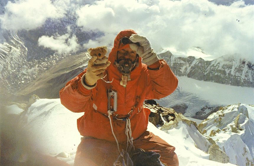Yannick Seigneur au sommet du Makalu en 1971