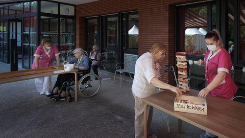 La crise sanitaire peut-elle faire évoluer la place des personnes âgées dans la société ?