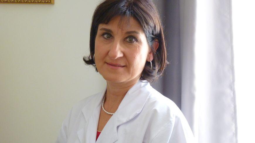 Claire Mounier-Vehier, professeure de cardiologie au CHU de Lille, voit arriver des patientes avec des complications. Pour elle, c'est une conséquence directe de la crise du coronavirus.