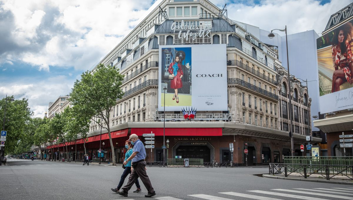 Les Galeries Lafayette et Printemps réclament à Emmanuel Macron ...