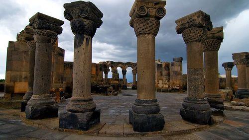 Anahide Ter Minassian : de l'Ararat à Etchmiadzine, récit d'une mystique arménienne