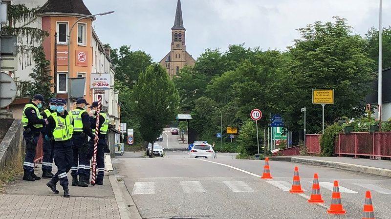 La frontière entre la France et l'Allemagne à Petite-Roselle.