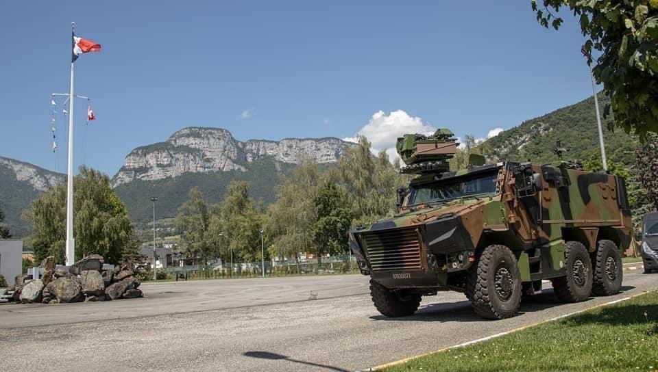 Le Griffon Nouveau Vehicule De L Armee De Terre En Phase De Test Dans Les Alpes