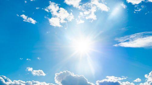 Une cure de soleil contre la Covid ?