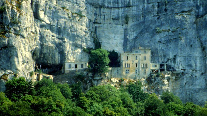 La grotte de la Sainte Baume (illustration)