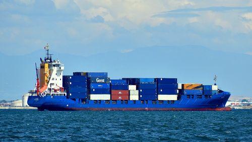 L'économie en réanimation (1/4) : Le lent réveil du commerce mondial
