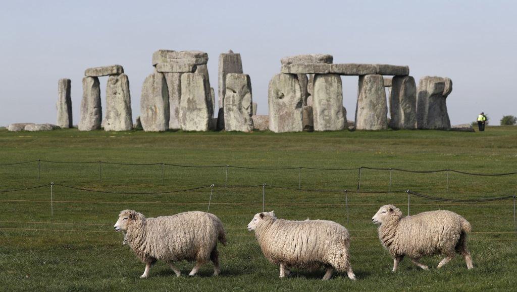 """Une structure préhistorique """"unique"""" découverte près du site de Stonehenge  en Angleterre"""