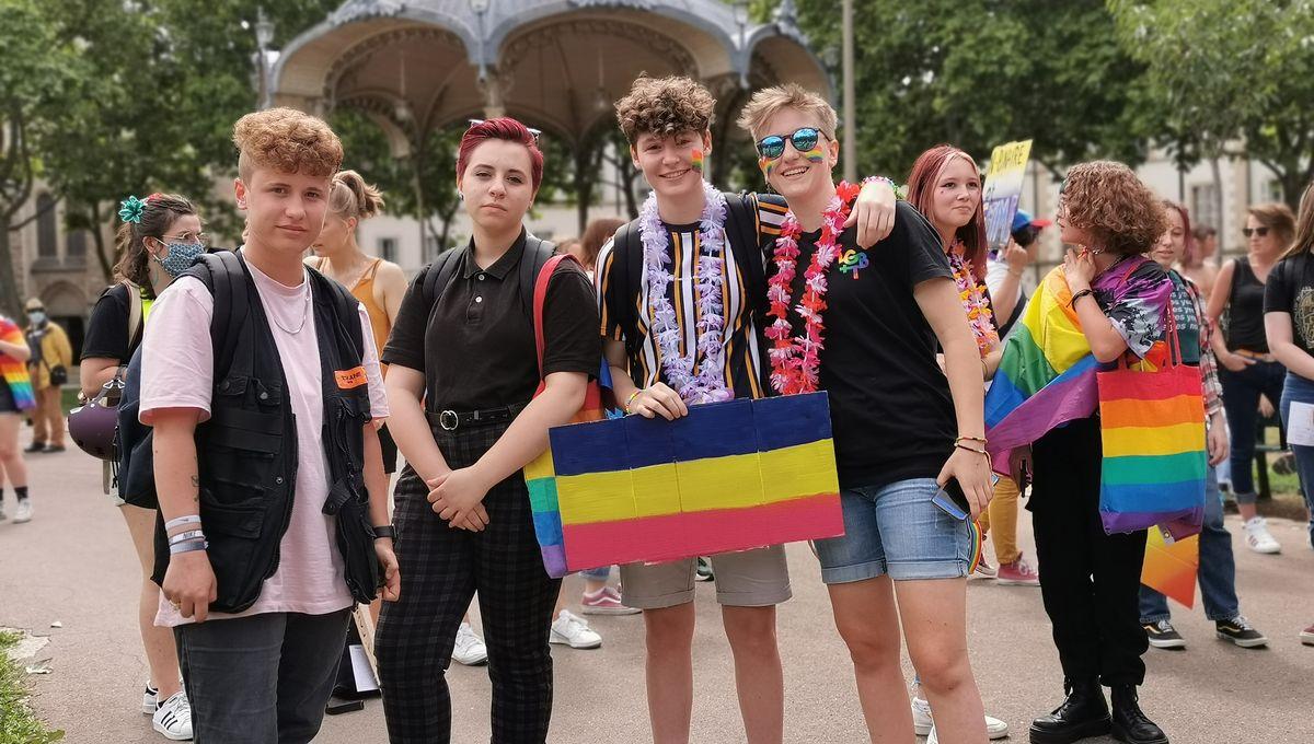 dijon rencontre gay families a Joue-les-Tours