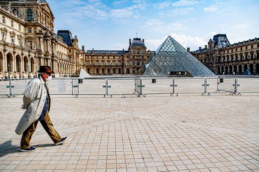 Le promeneur du Louvre, Paris, 11 avril 2020