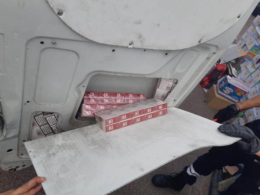 Le tabac était dissimulé dans une paroi latérale du véhicule