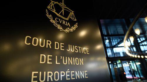 La Cour de justice de l'UE invalide l'accord sur le transfert de données personnelles UE-USA