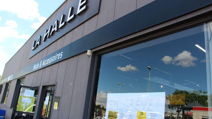 La Halle : les magasins d'Auxerre et Sens repris
