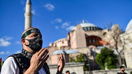 Sainte-Sophie redevient mosquée