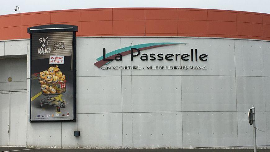 """Le 18 juin dernier, le maire de Fleury-les-Aubrais Marie-Agnès Linguet a signé un arrêté pour réintégrer et licencier à nouveau Léo Petit, licencié en 2016 de son poste à """"La Passerelle"""""""