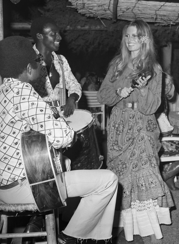 Brigitte Bardot au Club 55 de Saint-Tropez en 1974.