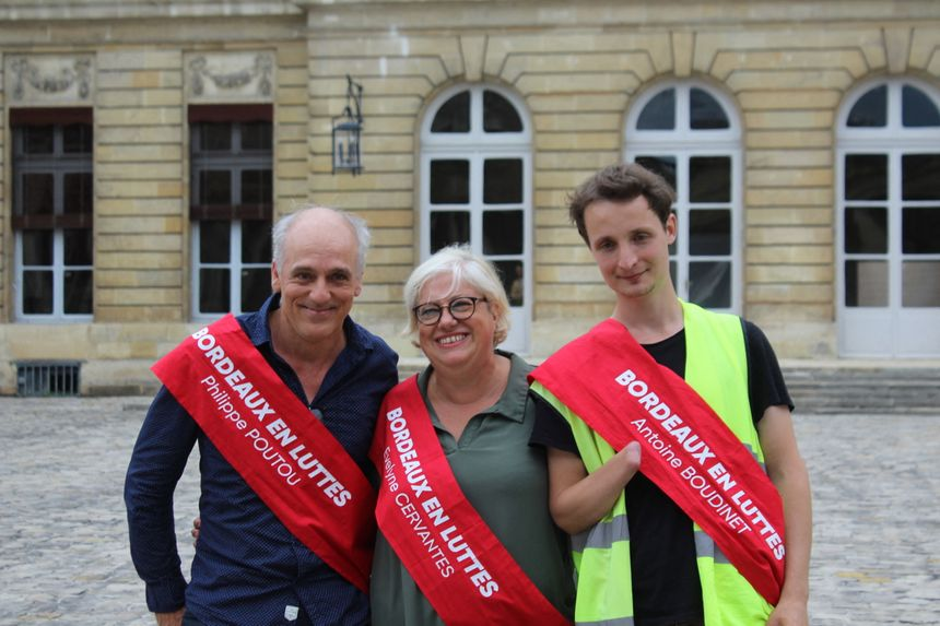 Philippe Poutou fait son entrée au conseil municipal avec deux colistiers : Evelyne Cervantes-Descubes et Antoine Boudinet.