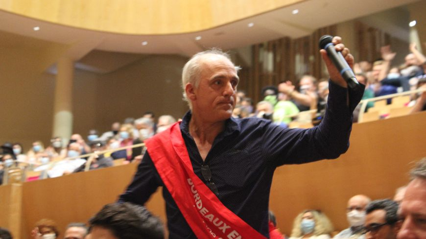 Philippe Poutou est entré au conseil municipal de Bordeaux ce vendredi 3 juillet.