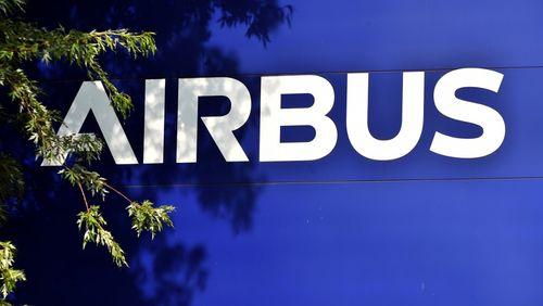 Les 15 milliards d'euros de l'Etat pour soutenir l'aéronautique n'auront pas suffi : Airbus supprime 15 000 postes dans le monde, Air France 7 500