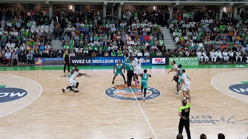 Basket : découvrez le calendrier de l'Élan Béarnais pour la saison