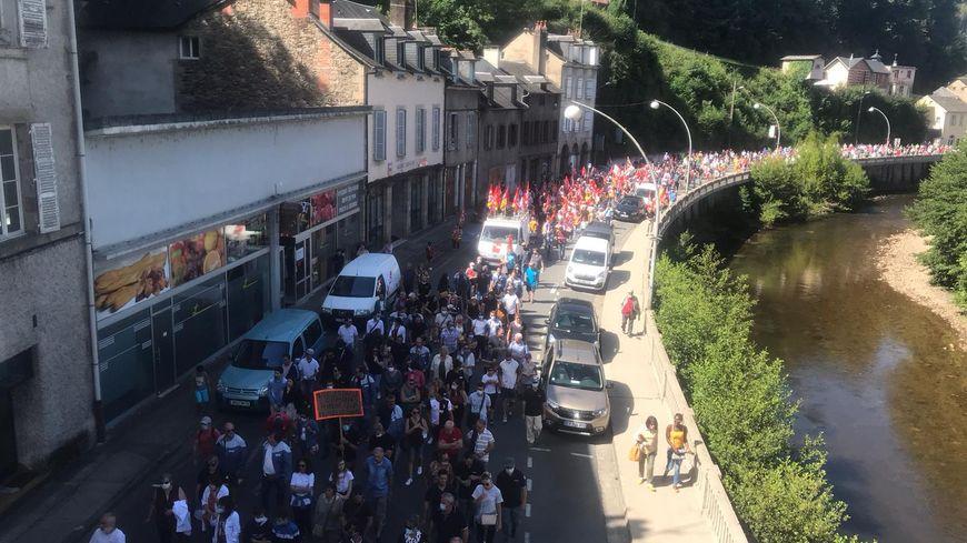 Des centaines de personnes ont défilé à Tulle ce samedi