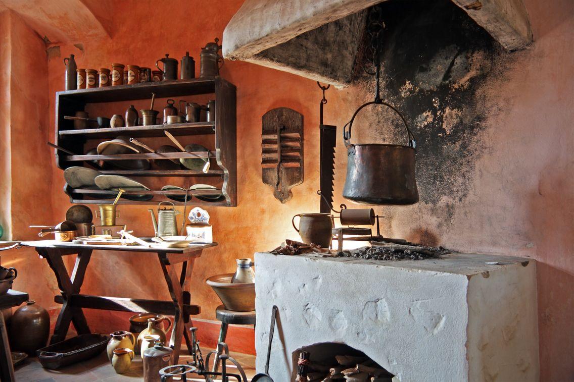 Que pouvait-on consommer et cuisiner dans les cuisines médiévales ?