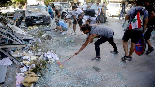 Reconstruire le Liban : avec qui ? / Aides à domicile : do we care ?