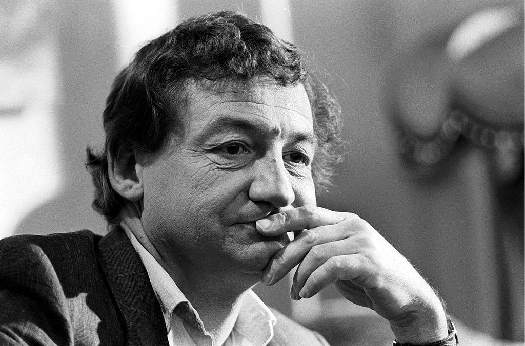 """A ce qu'on m'a dit... """" : Pierre Desproges et la rumeur"""
