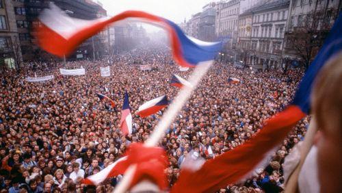 Prague, 1968-1989 : en attendant le velours