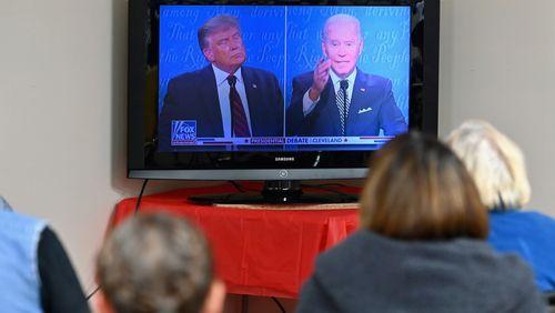 Présidentielle aux Etats-Unis : le débat vire au chaos, à l'image d'une Amérique divisée