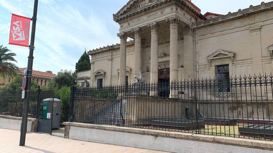 Condamné pour avoir caché une caméra dans la salle de bains du logement qu'il louait sur AirBnb à Perpignan
