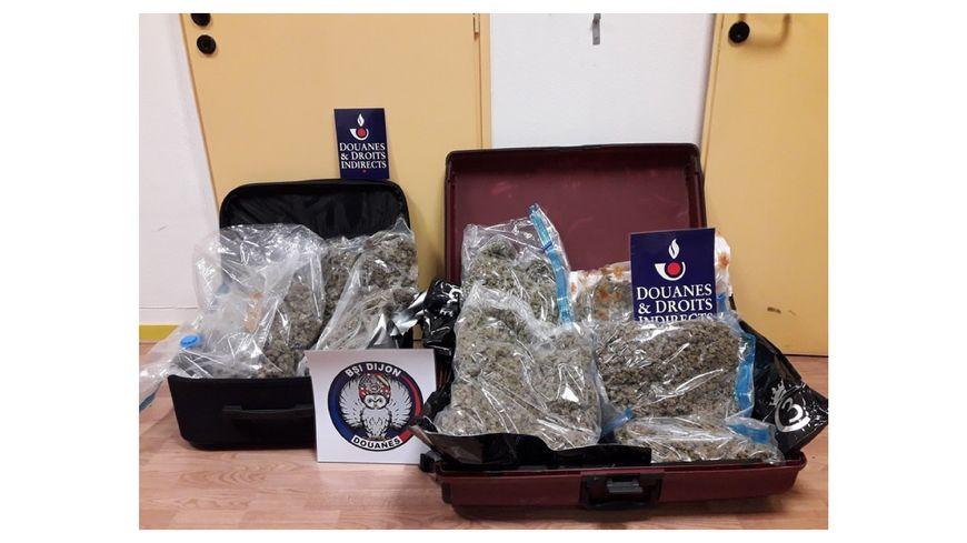 Plus de 6,5 kg d'herbe de cannabis ont été saisis par les douanes de Dijon.