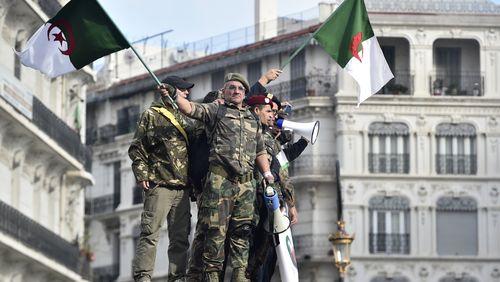 L'Algérie va-t-elle changer de doctrine militaire ?