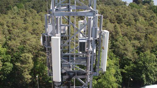 5G, technologie à haut débat (1/3) : Le progrès contre l'environnement ?