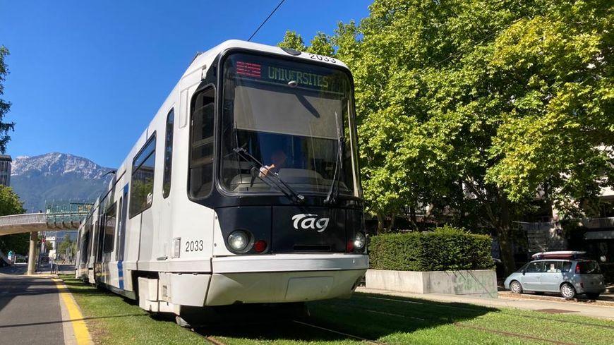 Tramway ligne C à Grenoble