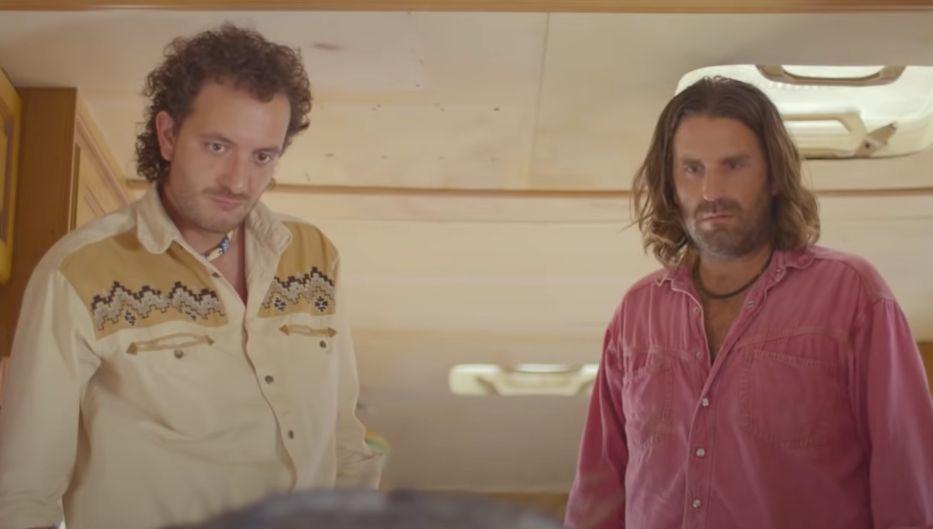 """Mandibules"""" : Quentin Dupieux livre la bande-annonce de son film avec Roméo  Elvis et Palmashow"""