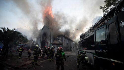 Santiago du Chili s'enflamme, au sens propre